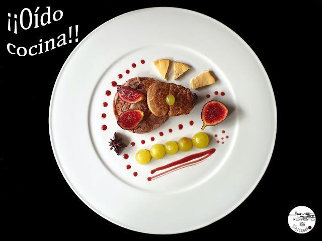 Solomillo de cerdo ibérico con crema de castañas a la canela, frutas y salsa de vino
